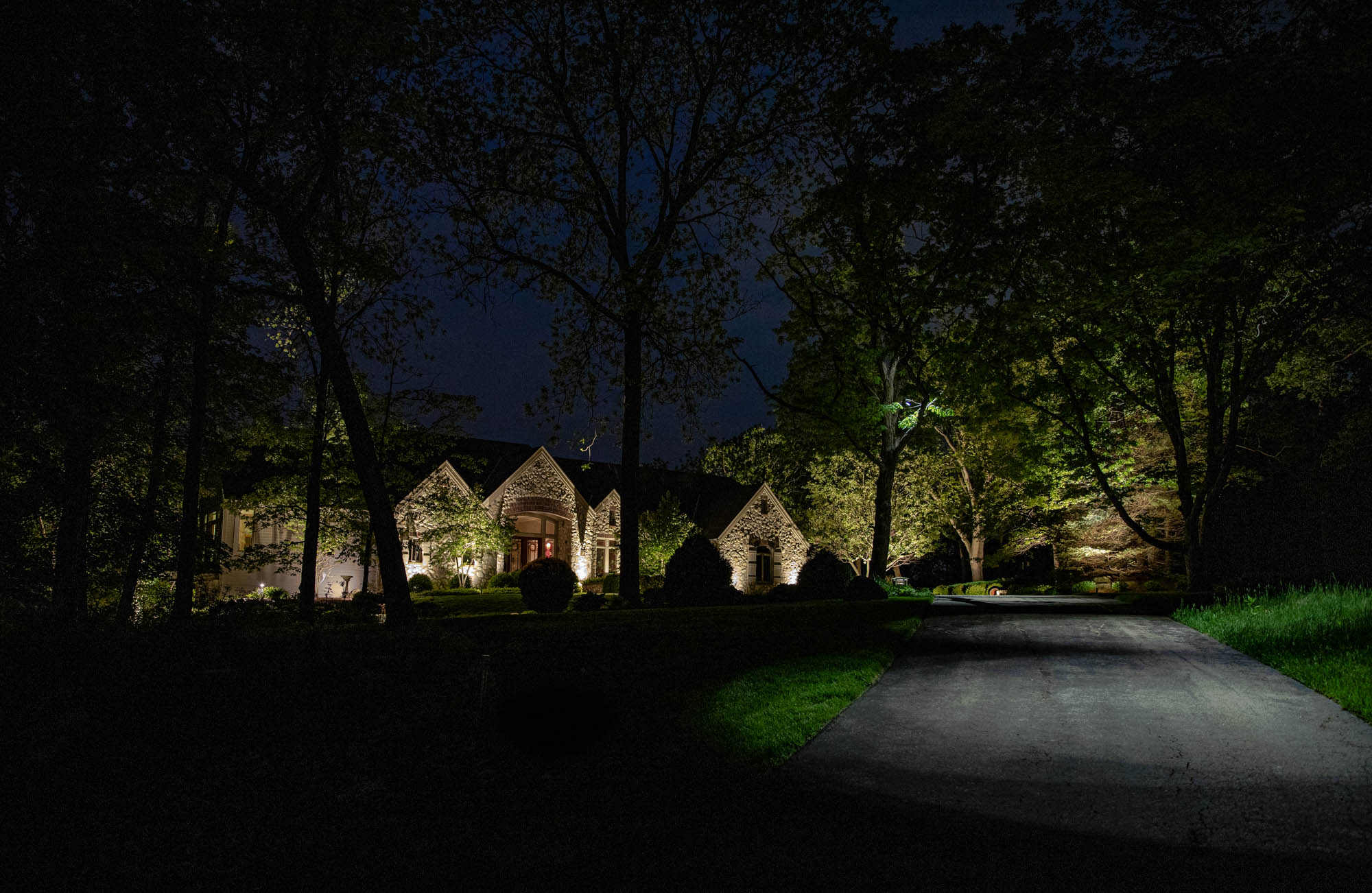 delafield landscape outdoor lighting night owl driveway moonlighting home entrance security lights