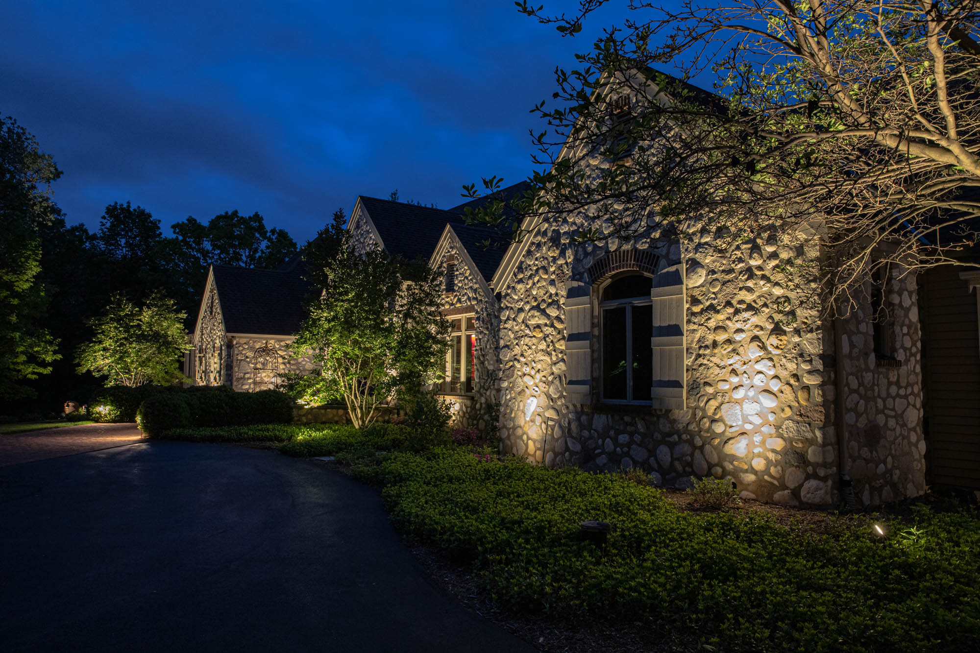 delafield landscape outdoor lighting night owl home residential landscape light design