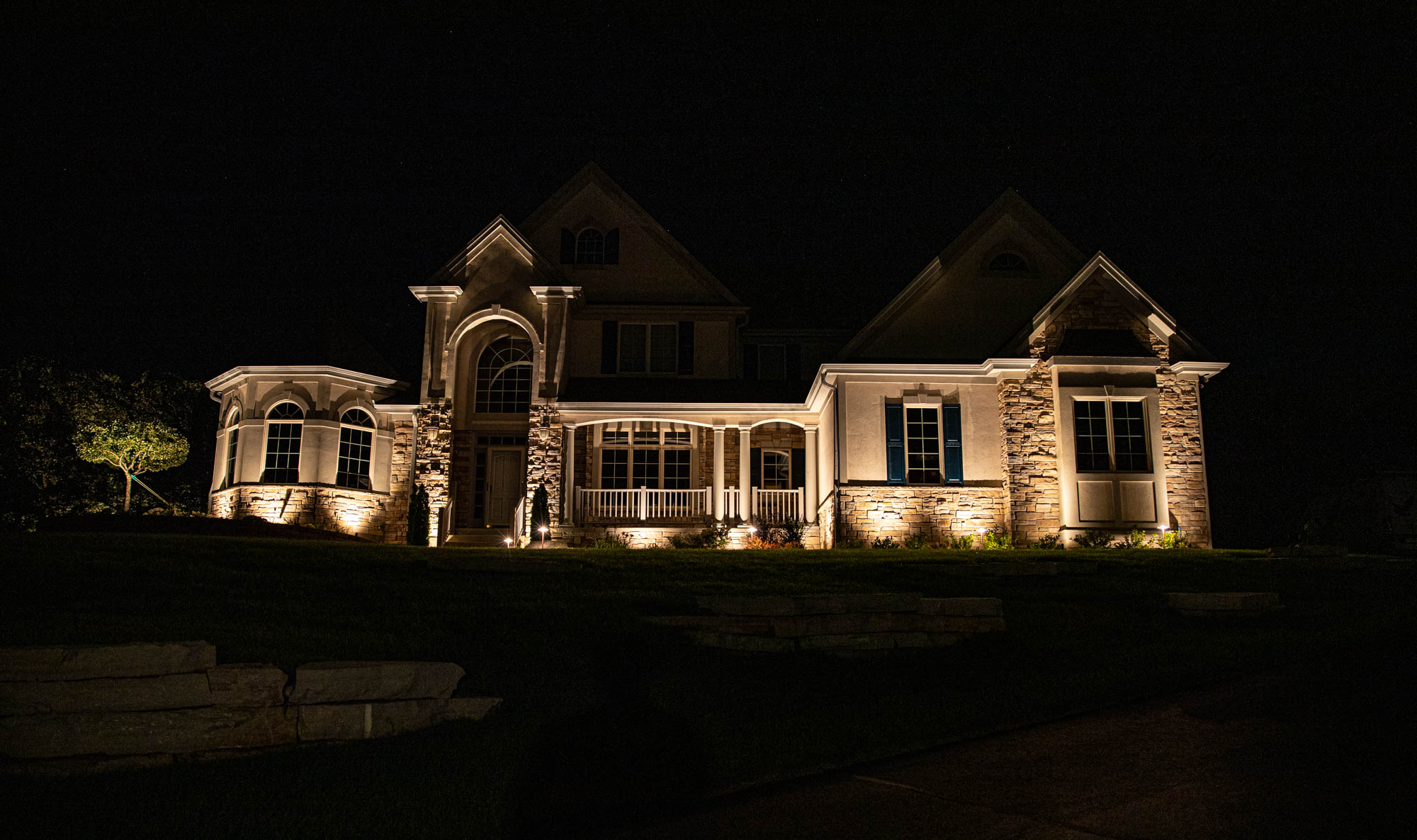 mukwonago landscape outdoor lighting night owl home residential landscape lighting in delafield wisconsin